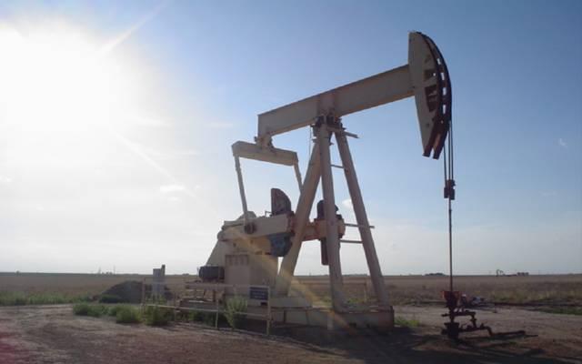 محدث.. النفط يتراجع 7.7% عند التسوية مع المخاوف بشأن الطلب