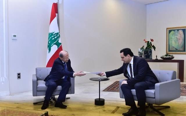 حسان دياب يسلم الرئيس اللبناني استقالة حكومته