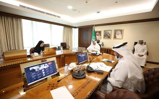 """وزارة  """"البيئة"""" تناقش تطوير المزارع العمودية الخضراء الذكية في ورشة عمل افتراضية"""
