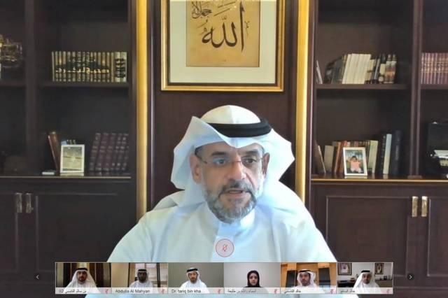 أعضاء المجلس التنفيذي لإمارة الشارقة أثناء الاجتماع