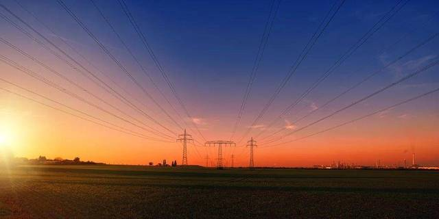 Iraq's power demand reaches 10,000 (MW) in winter and 28,000 MW in summer