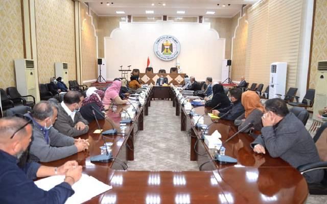 جانب من اجتماع وزير التجارة مع عدد من المواطنين