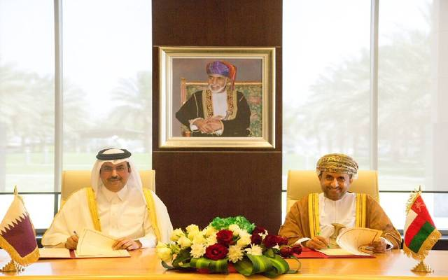 قطر وعُمان توقعان اتفاقية لتعزيز التعاون بمجال النقل الجوي