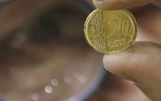 أسعار الذهب والفضة والين ترتفع مع اتجاه المستثمرين للملاذات الآمنة