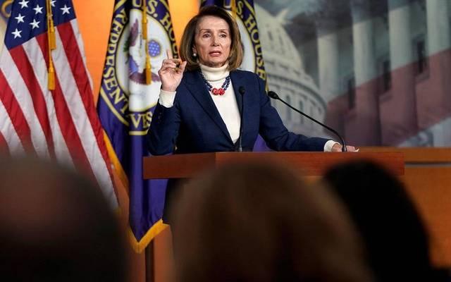 نانسي بيلوسي: الديمقراطيون مستعدون لخفض حزمة التحفيز المقترحة للنصف