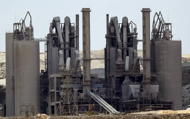 داخل شركة القدس للصناعات الخرسانية