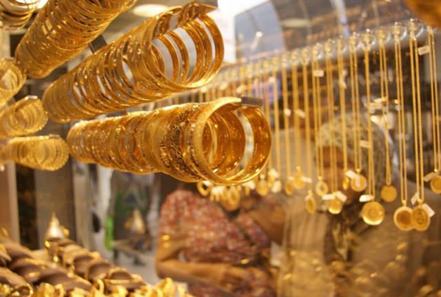 أسعار الذهب في الأسواق الإماراتية تنخفض.. الأربعاء