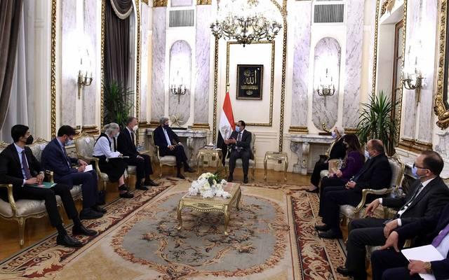 رئيس الوزراء يلتقي جون كيري المبعوث الرئاسي الأمريكي للمناخ