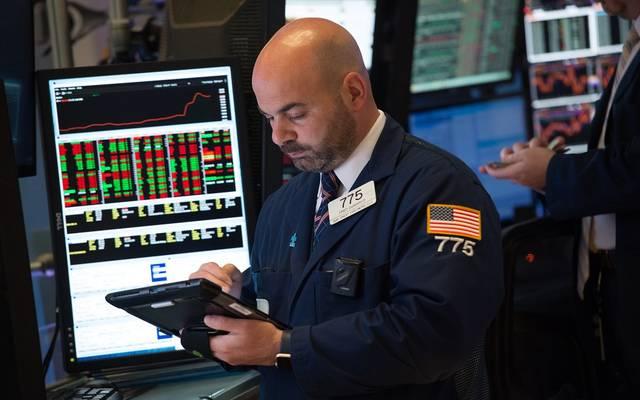 """""""داوجونز"""" يفقد 570 نقطة بالختام.. والأسهم الأمريكية تسجل خسائر أسبوعية"""