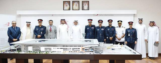 جانب من اجتماع  اللجنة الوطنية المعنية بالإعداد لتشغيل مبنى المسافرين الجديد في مطار البحرين الدولي