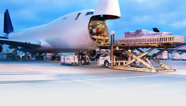 Air cargo volumes carried by the Middle East's airlines increased 6.6% in November.