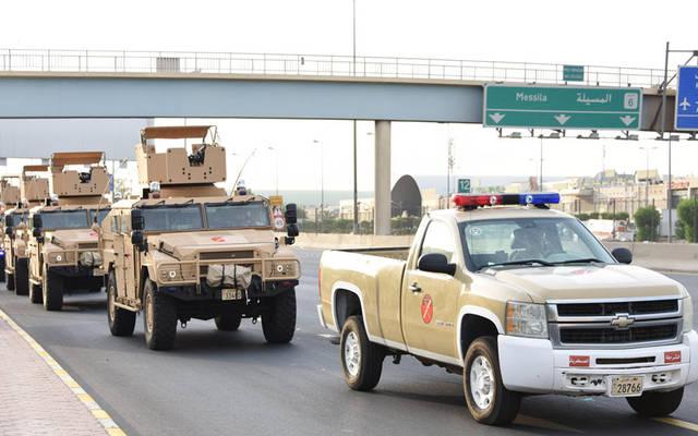 آليات الجيش الكويتي أثناء عزل المنطقة