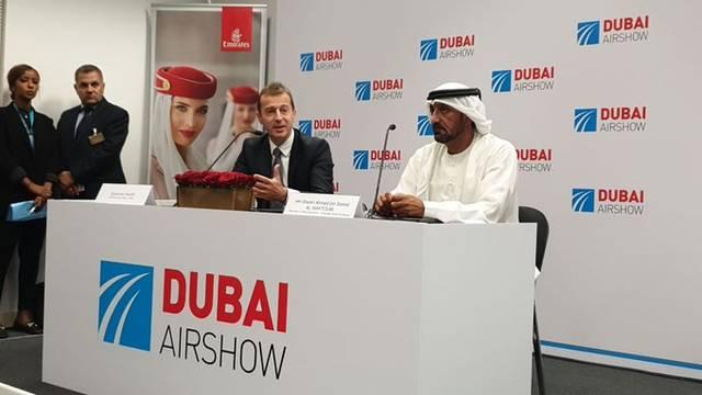 """الشيخ أحمد بن سعيد، رئيس هيئة دبي للطيران الرئيس الأعلى لـ""""مجموعة طيران الإمارات"""" خلال إعلان الصفقة"""
