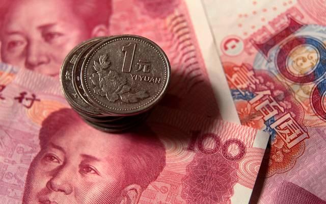 الصين تحدد السعر المرجعي لليوان أعلى من التوقعات