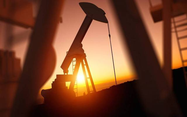 محدث.. أسعار النفط تسجل خسائر أسبوعية 3%