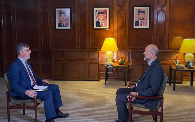 رئيس الوزراء الأردني عمر الرزاز خلال الحوار