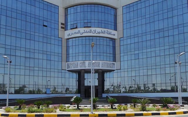 مصر تسمح للأجانب بعمل مسحة كورونا في المطارات السياحية بـ30 دولاراً