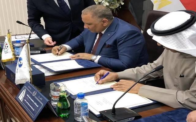 جانب من توقيع مذكرة التفاهم بين الجانبين الكويتي والمصري
