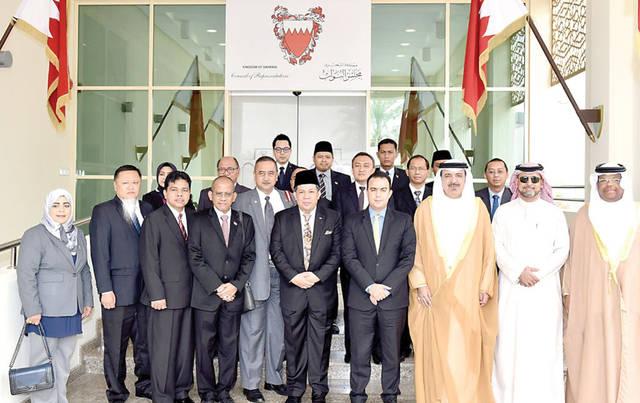 البحرين تبحث زيادة الاستثمار مع إندونيسيا