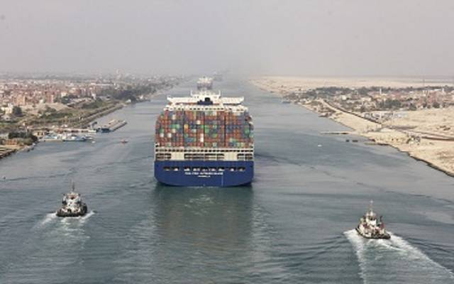 سفينة الحاوياتCMA CGM JACQUES SAADE، خلال عبور المجرى الملاحي لقناة السويس