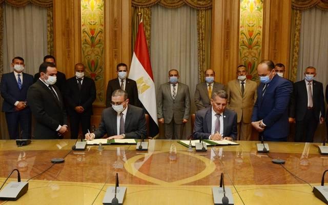 """خلال توقيع عقدي تعاون بين """"الإنتاج الحربي"""" و""""الغربية"""" لتنفيذ مشروعات تنموية"""