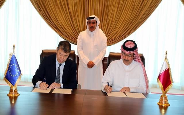 خلال توفيع الاتفاقية بين الوكالة الأوروبية لسلامة الطيران والهيئة العامة للطيران المدني