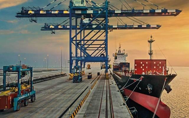 ميناء خليفة في أبوظبي