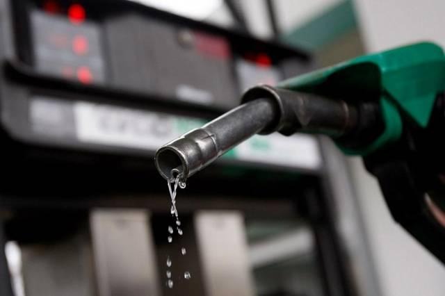 إنفوجرافيك.. الأسعار الجديدة للوقود في دول الخليج