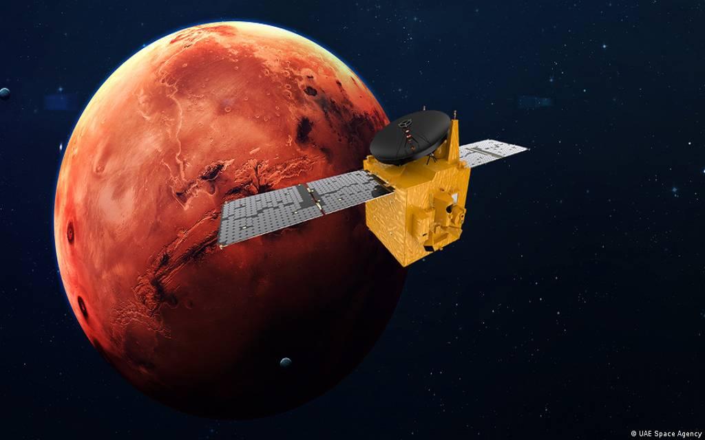 اتفاق إماراتي ياباني على إرسال مركبة للقمر عام 2022