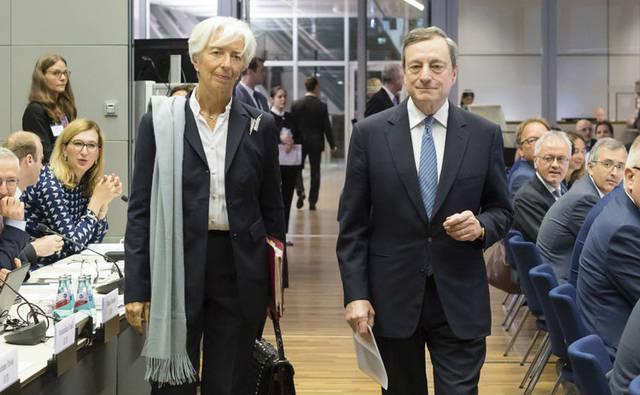 قبيل القرار المنتظر.. أوروبا تترقب خطوات البنك المركزي لإنعاش الاقتصاد