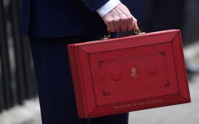الحكومة اقترضت 32.5 مليار إسترليني خلال أول 6 أشهر من السنة المالية