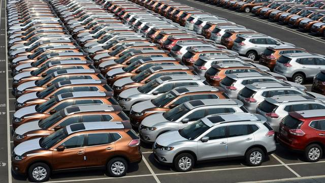 China's auto sales extend 14M-declining streak in August