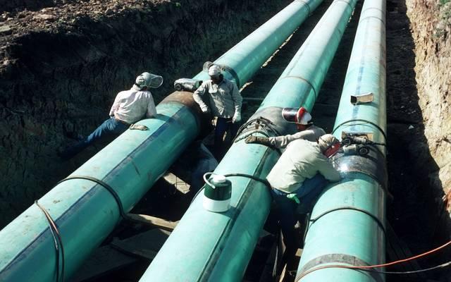 مخزونات النفط العالمية ترتفع 22 مليون برميل في فبراير