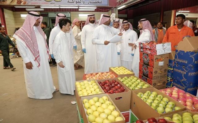 7fec380cd تفاصيل أسعار السلع الغذائية بالسعودية خلال مارس..تباين باللحوم وانخفاض  بالفاكهة