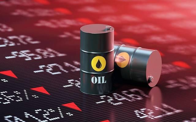 محدث..النفط يتراجع عند التسوية لكنه يسجل مكاسب فصلية تتجاوز 20%
