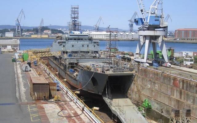 العقد بتعلق بتنفيذ حزمة الأعمال المدنية والميكانيكية شاملة الدهان العازل والأعمال الكهربائية والأجهزة الدقيقة والاتصالات بميناء الأحمدي