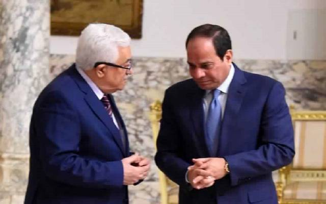 الرئيس السيسي خلال لقاء سابق مع الرئيس أبو مازن بالقاهرة