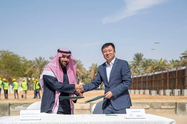 جانب من توقيع وزير الثقافة السعودي الأمير بدر بن عبدالله بن فرحان اتفاقية مع صندوق EWTP Arabia