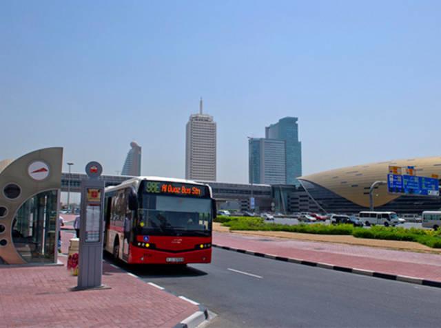 إحدى الحافلات التابعة لهيئة الطرق والمواصلات في إمارة دبي