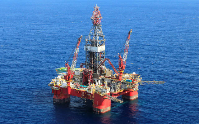 محدث..أسعار النفط تُقلص خسائرها عند التسوية مع ترقب المحادثات التجارية