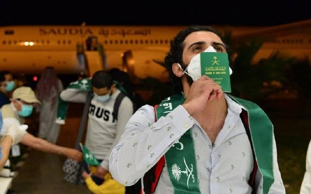 """الجوازات السعودية تتيح خدمة تصاريح السفر للفئات المستثناة عبر منصة """"أبشر"""""""