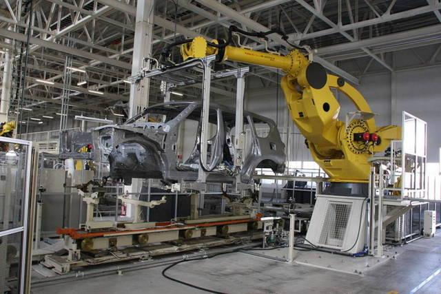 الشركة تعمل ضمن قطاع السلع الرأسمالية مع التركيز على القطاع الصناعي