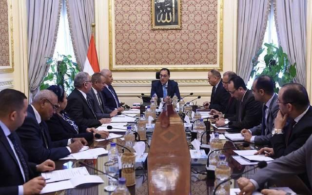 رئيس الوزراء المصري يوجه بإعداد خطة لإنهاء مشاكل الصرف الصحي بالوادي الجديد