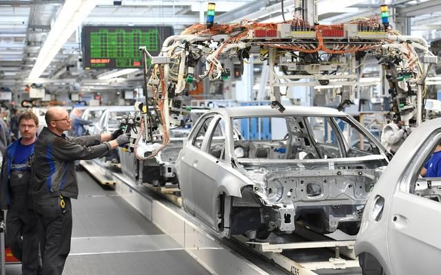 مصنع لتصنيع السيارات