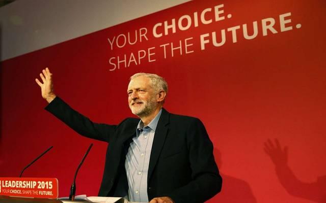 حزب العمال البريطاني يتعهد بخفض أسعار تذاكر القطارات 30%