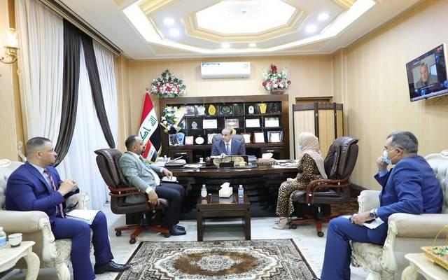 وزير العمل العراقي خلال ترؤسه اجتماعا ضم مدير عام دائرة التقاعد والضمان الاجتماعي ومدير عام دائرة العمل