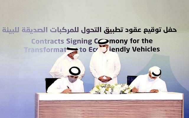 """""""المناطق الحرة"""" توقع إتفاقية لإنتاج الحافلات الكهربائية في قطر"""