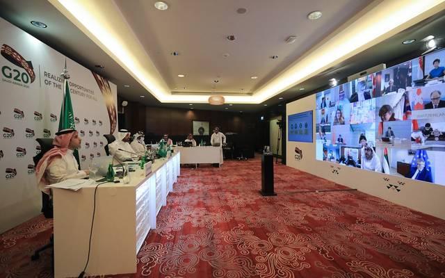 جانب من الاجتماع الافتراضي لوزارء العمل في مجموعة العشرين، يرأسه وزير الموارد البشرية والتمية الاجتماعية السعودي، أحمد بن سليمان الراجحي