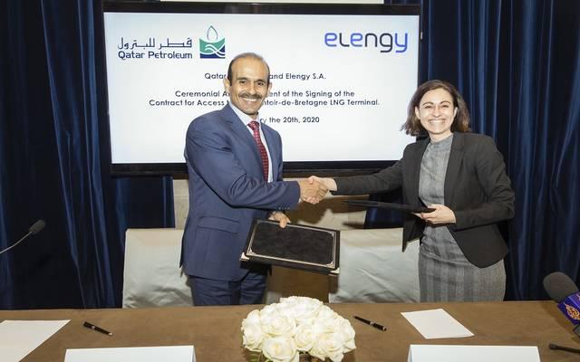 أثناء توقيع قطر للبترول الاتفاقية