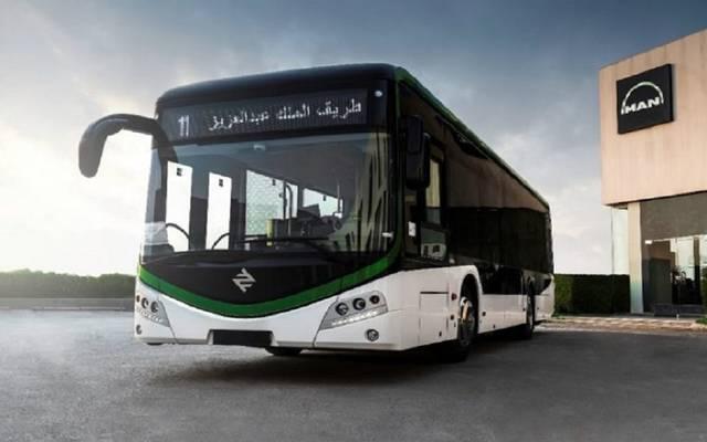 السعودية تعتمد تشغيل شبكات نقل عام بالحافلات